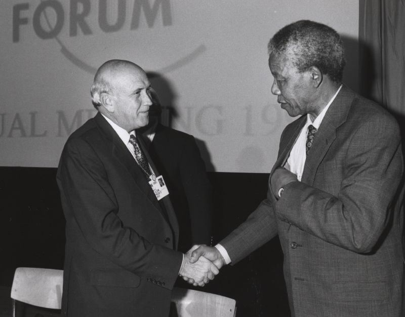 Frederik_de_Klerk_with_Nelson_Mandela_-_World_Economic_Forum_Annual_Meeting_Davos_1992