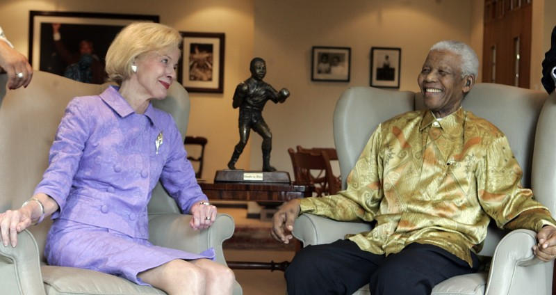 Quentin_Bryce_and_Nelson_Mandela
