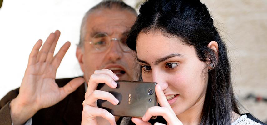 What Do Arabs Share on Social Media?